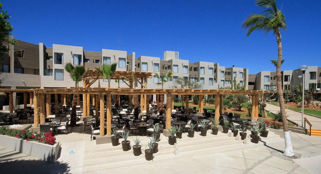 Budget-Friendly All-Inclusive Resorts - Holiday Inn Resort Los Cabos All Inclusive, San Jose del Cabo, Mexico